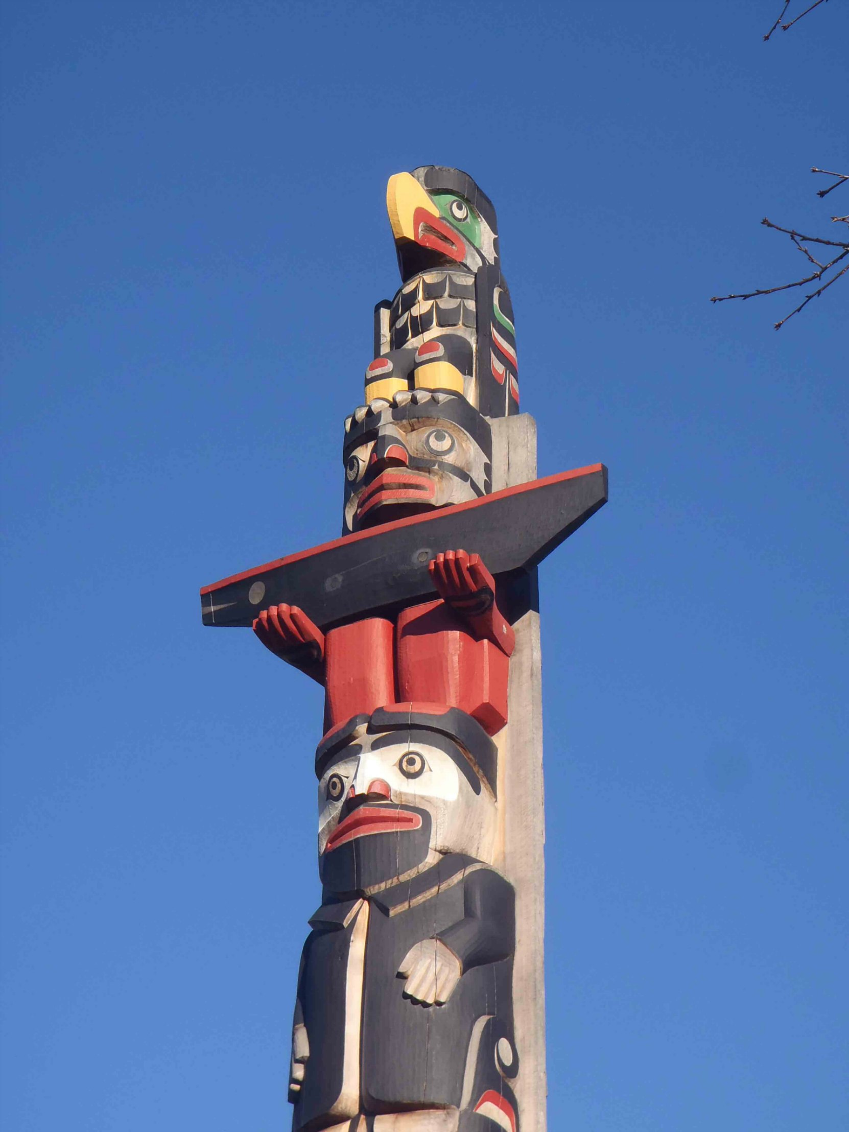 Centennial Pole, Eagle figure and William Chalmers Duncan figure, Canada Avenue, Duncan, B.C.