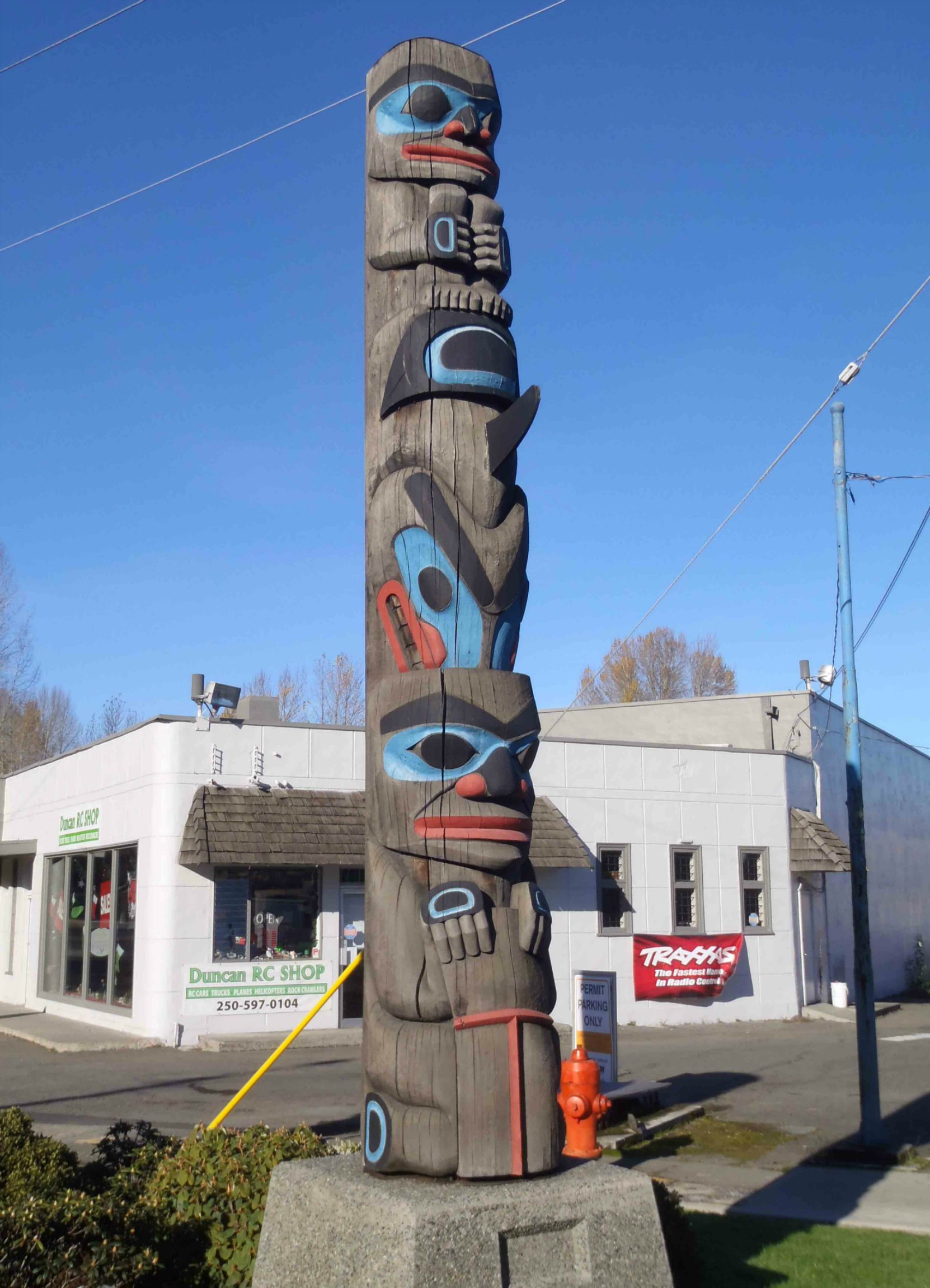 Chief's Pole, Government Street at Kenneth Street, Duncan, B.C.