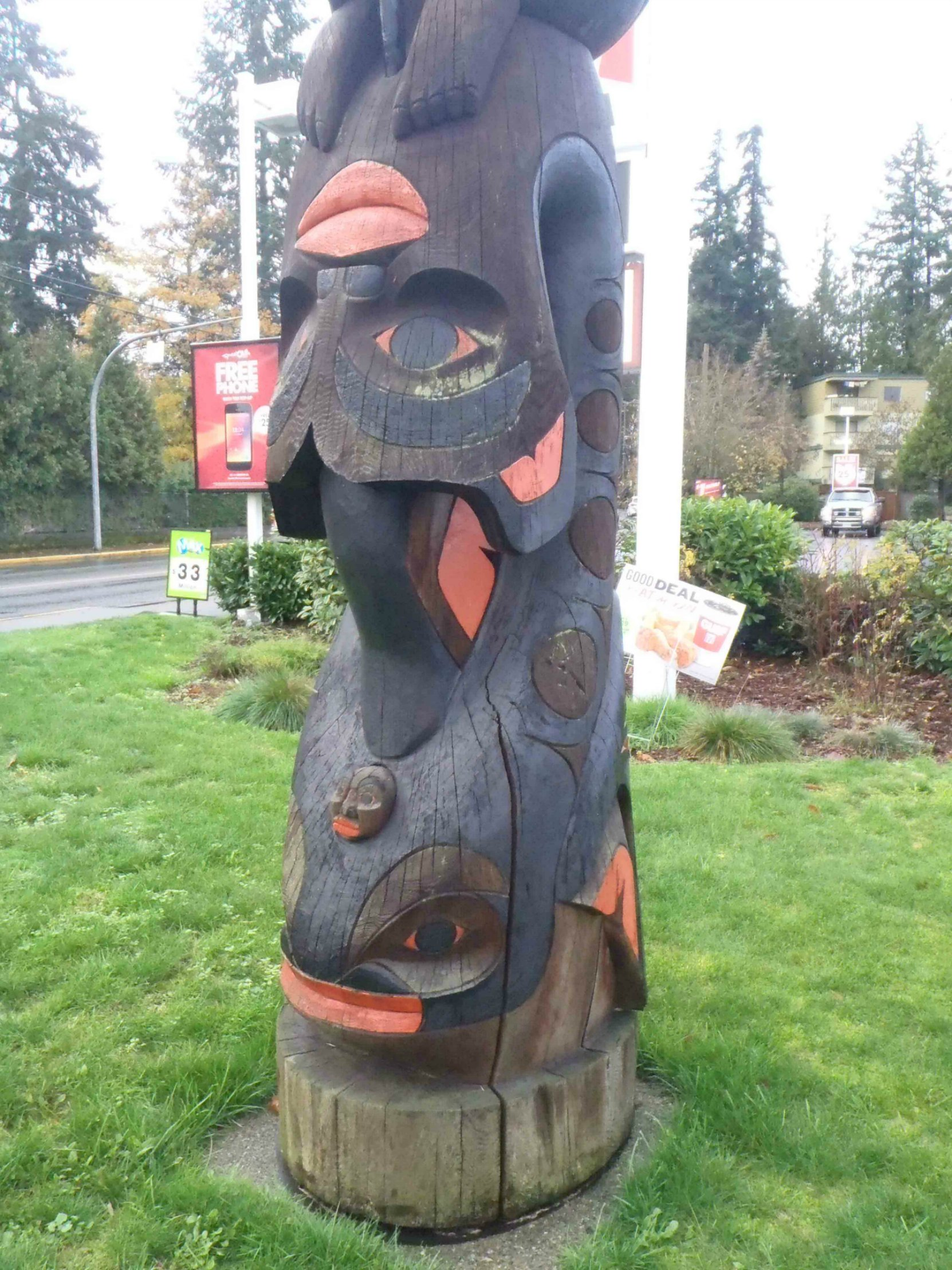 Fisherman's Pole, Killer Whale figure, Government Street at College Street, Duncan, B.C.