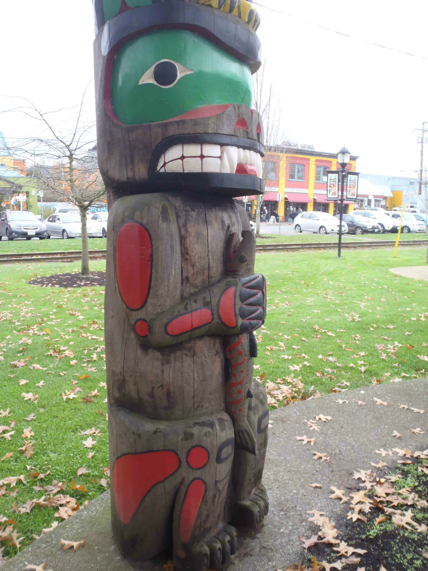 Friendship Pole, Bear figure, Charles Hoey Park, Duncan, B.C.