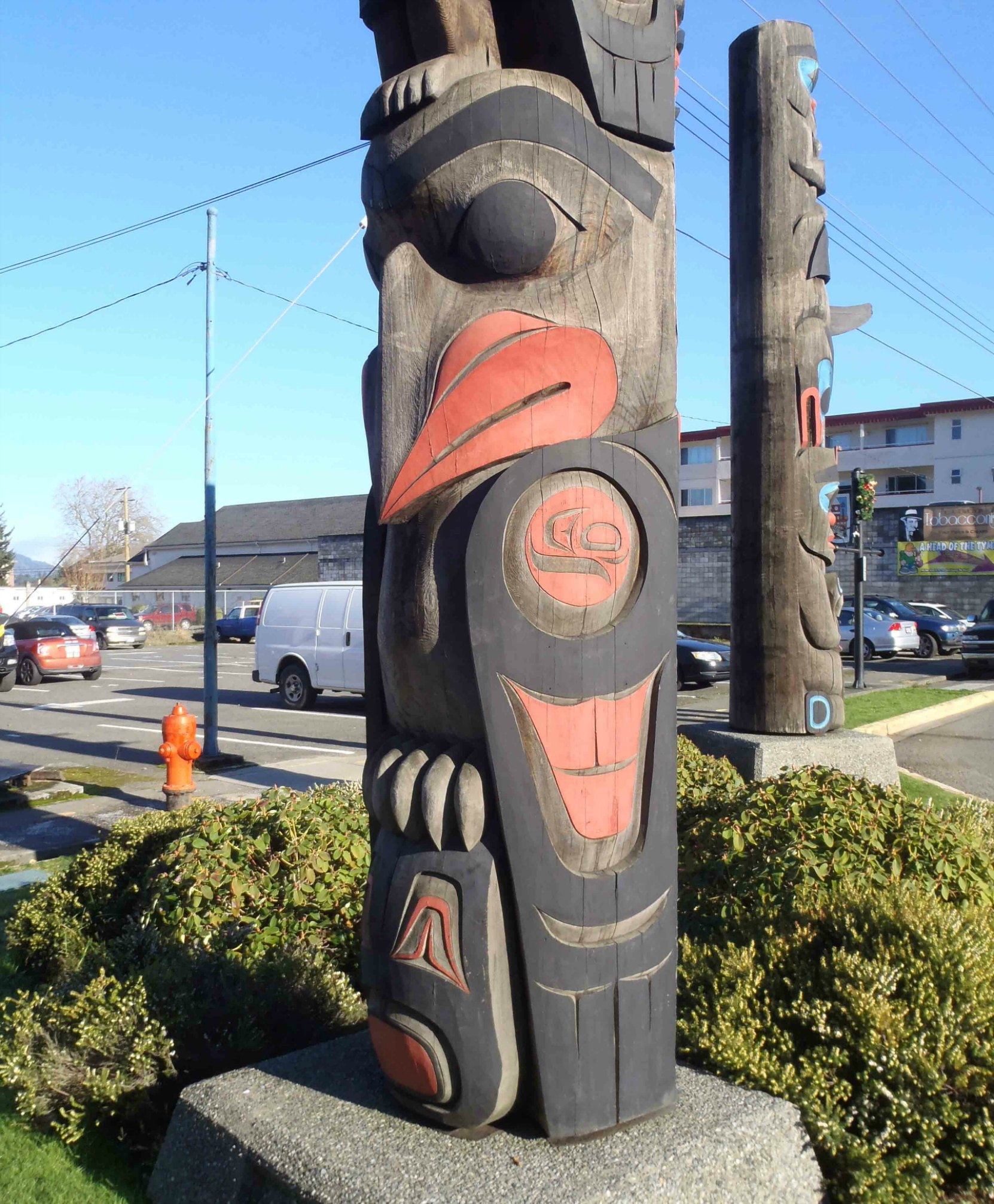 The Guardians pole, Eagle figure, Government Street at Kenneth Street, Duncan, B.C.