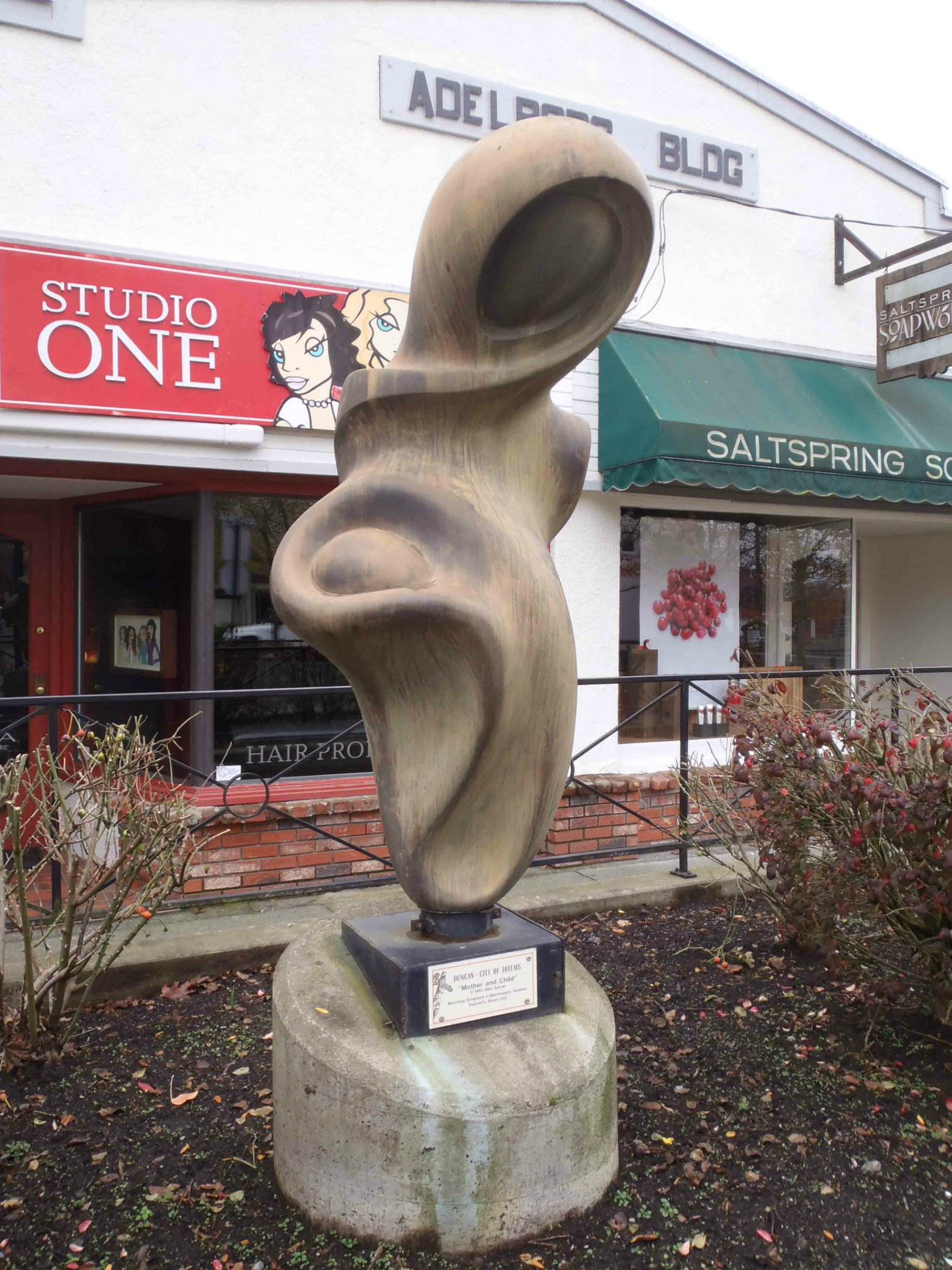 Mother and Child sculpture, Craig Street, Duncan, B.C.