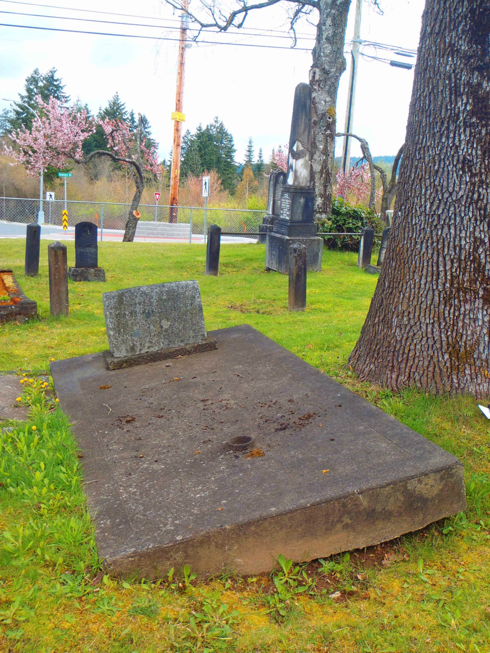 Grave of former Duncan Mayor Ormond Towers Smythe, Mountain View cemetery, North Cowichan, B.C.