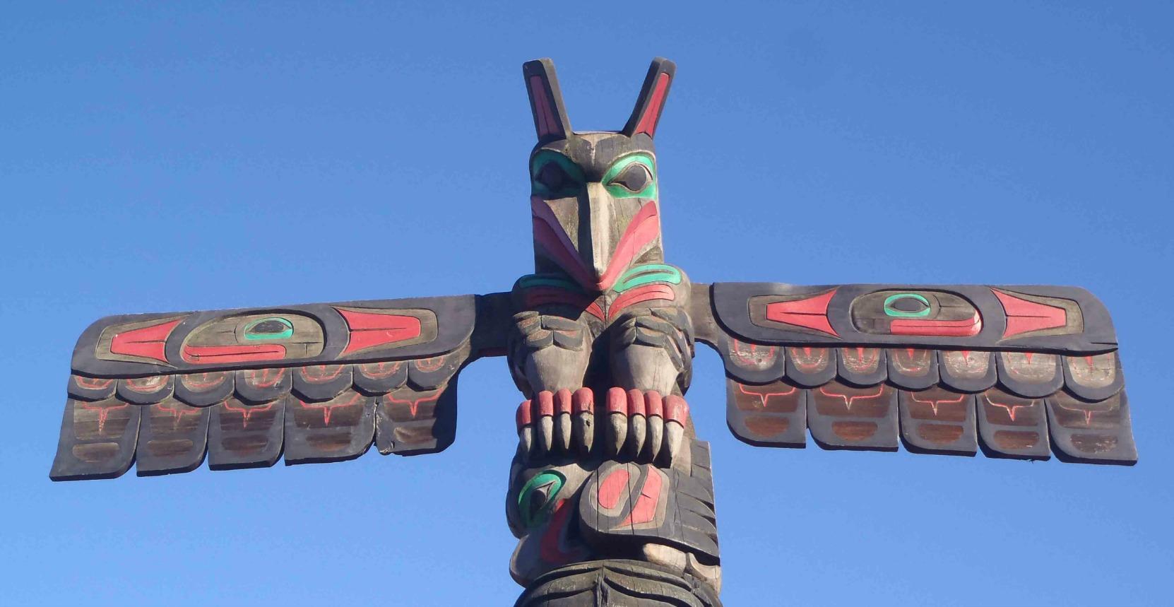 Raven's Gift totem pole, Raven figure, Canada Avenue, Duncan, B.C.