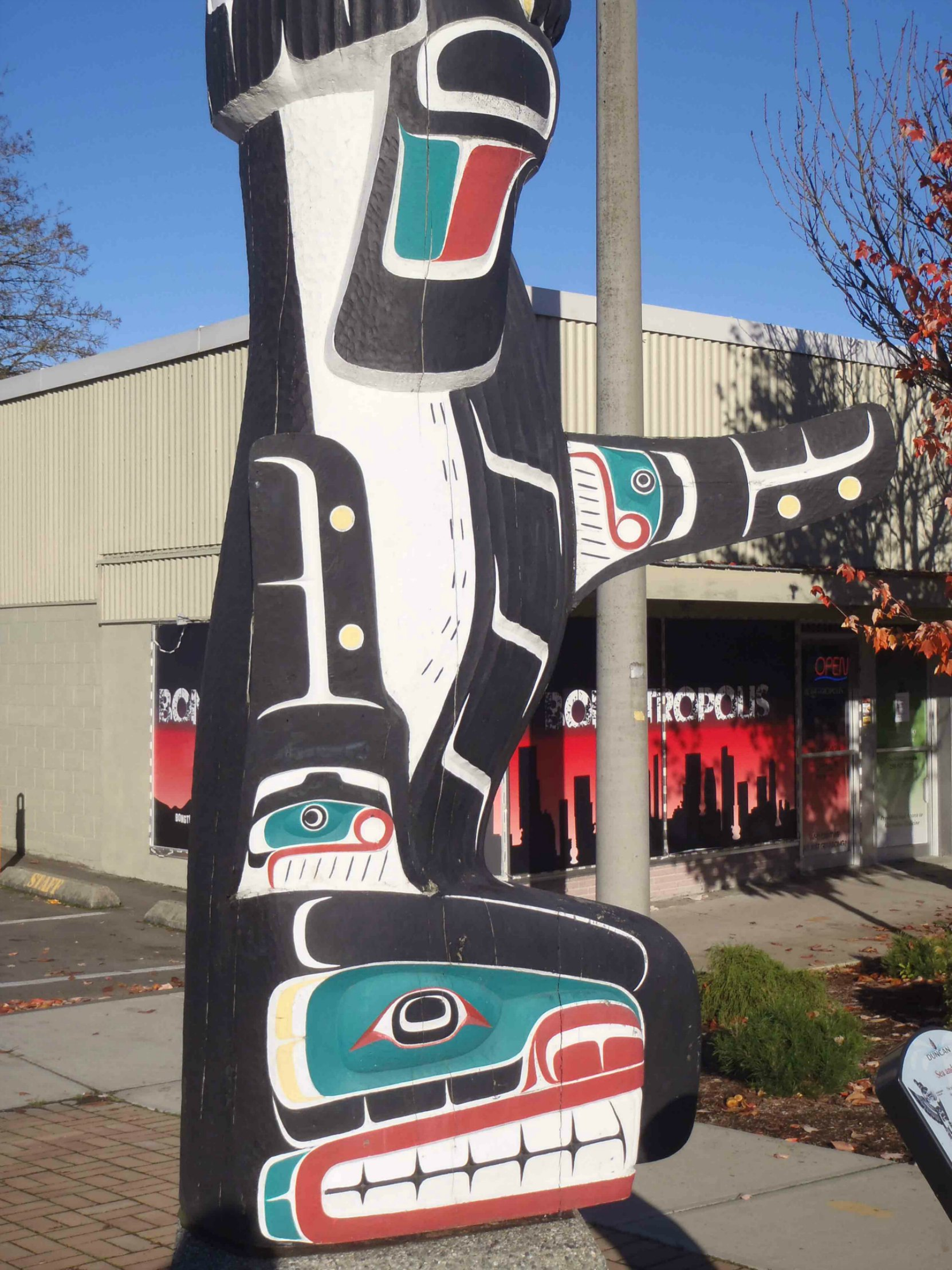 Sea and Sky pole, Killer Whale figure, Government Street at Station Street, Duncan, B.C.