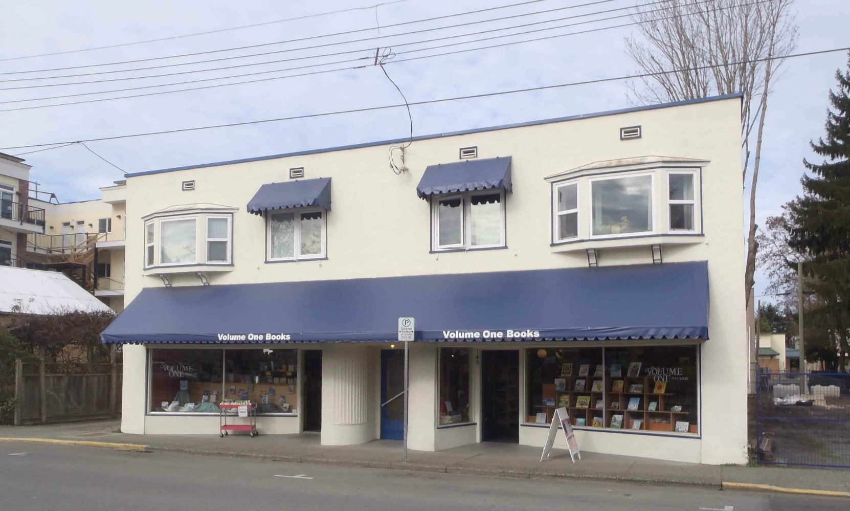145-149 Kenneth Street. Built in 1949 by Claude Green. Occupied by Volume One Books since 1972