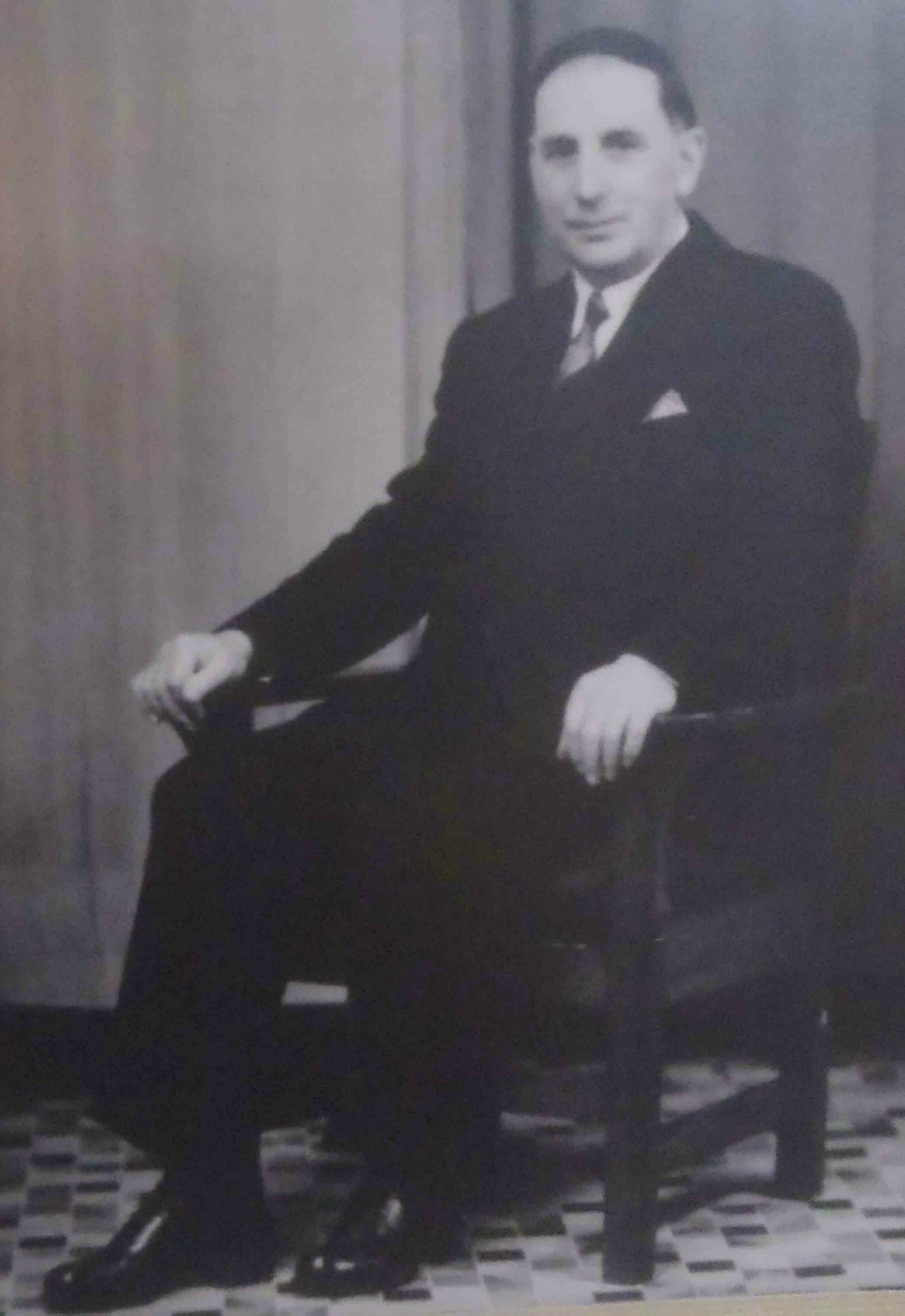 Edward Lee, building contractor and Mayor of Duncan 1940-42