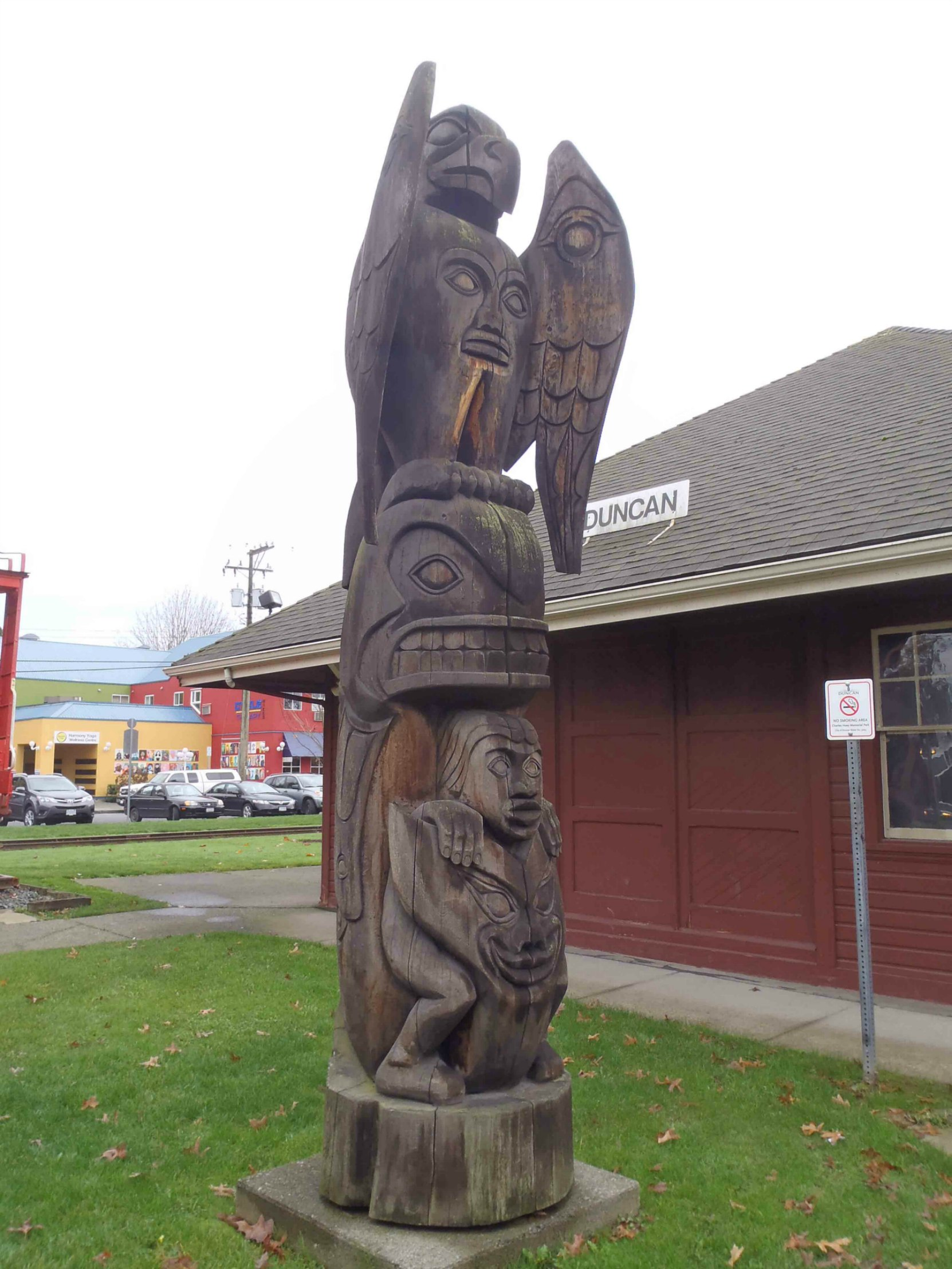 Transformation totem pole - Canada Avenue, Duncan