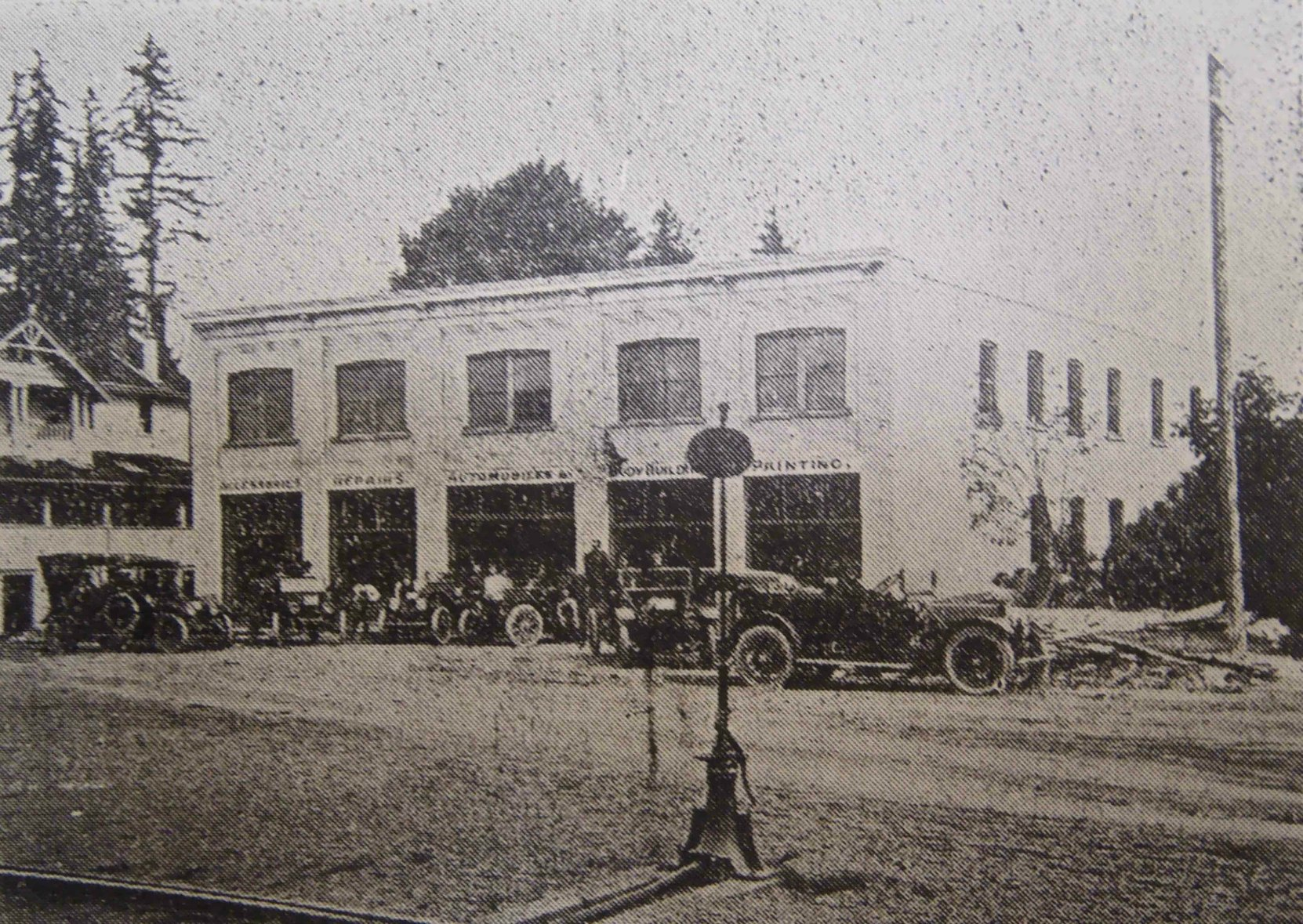 The Duncan Garage in 1913. This photograph appeared in the local Cowichan Leader newspaper